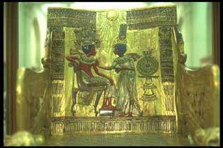 Tut_golden_throne